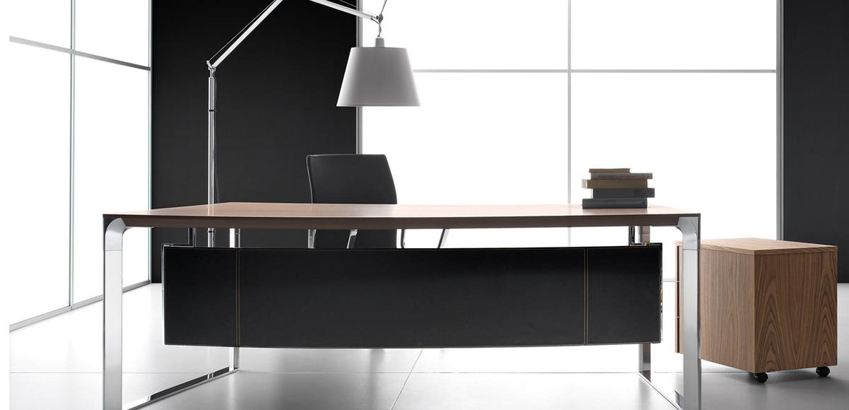Bureau Moderne Dhow par Ora Acciaio, Design Lucci & Orlandini