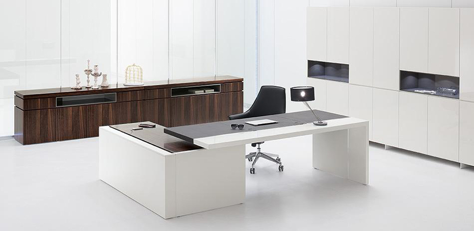 bureau moderne par archiutti. Black Bedroom Furniture Sets. Home Design Ideas